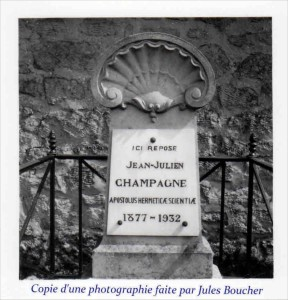 Tombe_Julien_Champagne_par_Jules_Boucher